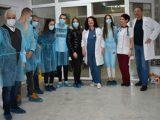 Младежите от ОбМС-Асеновград посетиха болницата, за да вдъхнат надежда на пациентите