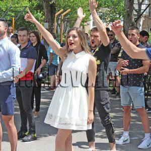 Няма зрелостници под карантина за матурата по български език в Хасковско, ще се влиза с маски