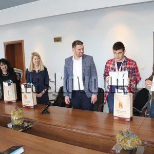Стоян и Любен отново се окичиха с медали от Жаутиковската олимпиада
