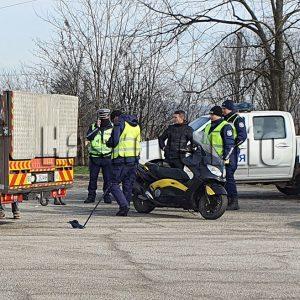 Моторист е със счупен череп след пътен инцидент