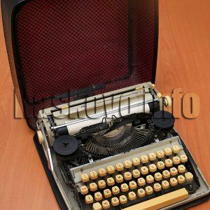Пишещата машина на Петър Василев стана музеен експонат