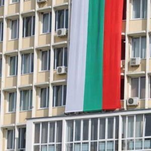 Раздават 1 200 знаменца на децата в димитровградските забавачки