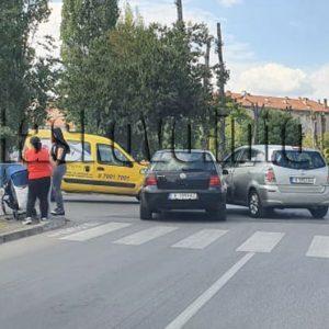 """Тойота и Фолксваген се удариха на """"Лебеда"""" в Хасково"""
