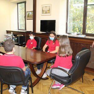 Училищно радио готви първо предаване за Деня на народните будители