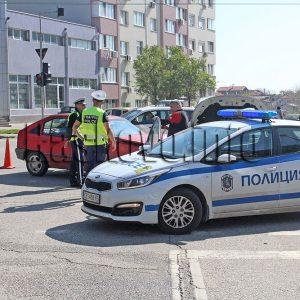 Шофьорът на Опела от вчерашната катастрофа в Хасково е с комоцио